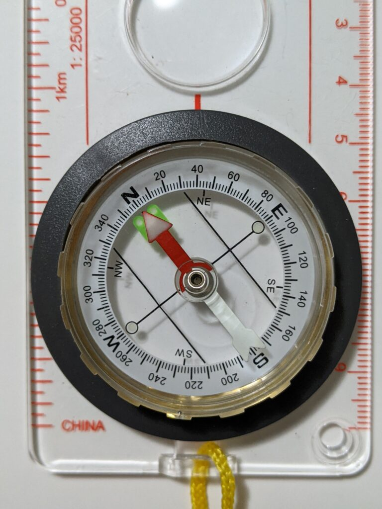Base plate compass