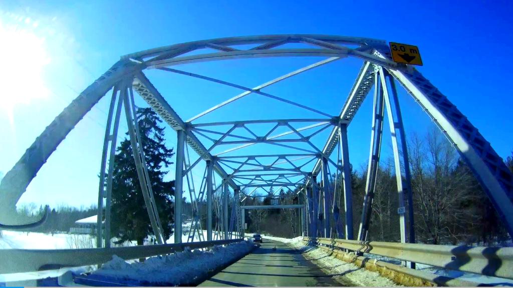 Minto bridge before Ice caves